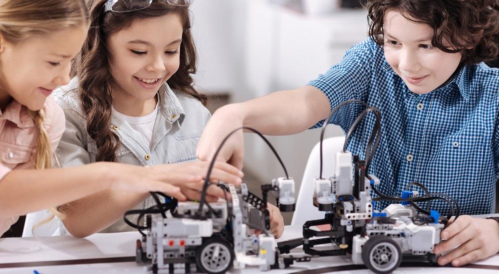 Cách chọn khóa học lập trình robot cho trẻ em nâng cao tư duy thần đồng