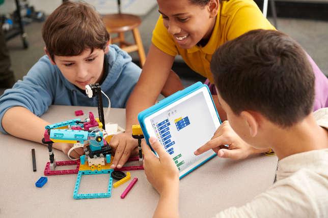 Cách chọn khóa học lập trình robot cho trẻ em nâng cao tư duy thần đồng (1)