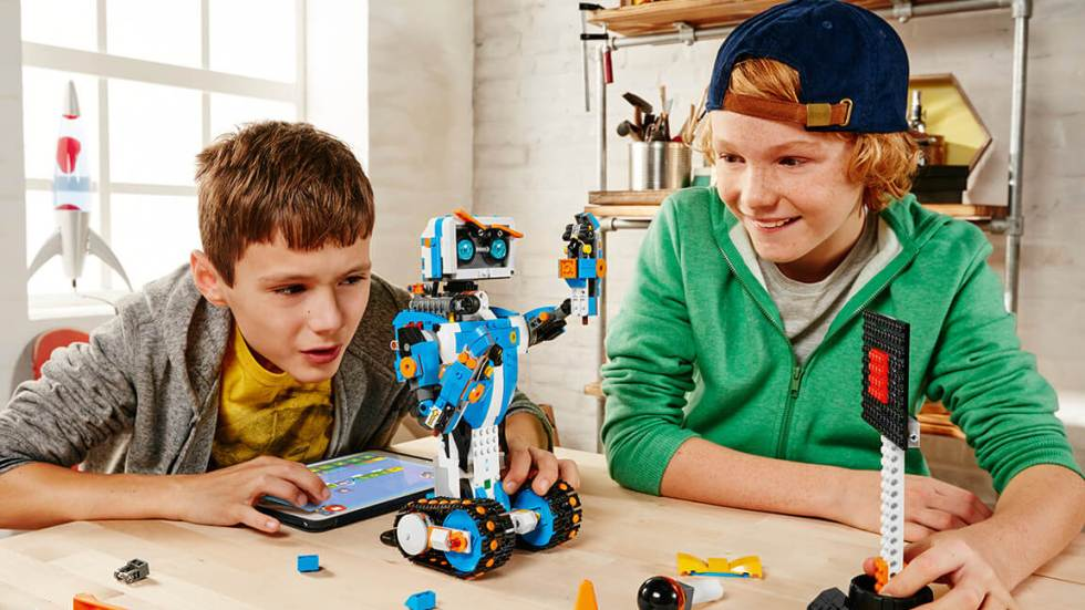 Cách chọn khóa học lập trình robot cho trẻ em nâng cao tư duy thần đồng (2)