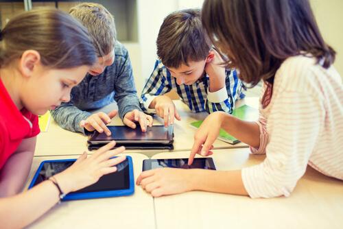 5 cách giúp trẻ tăng hứng thú với bộ môn lập trình